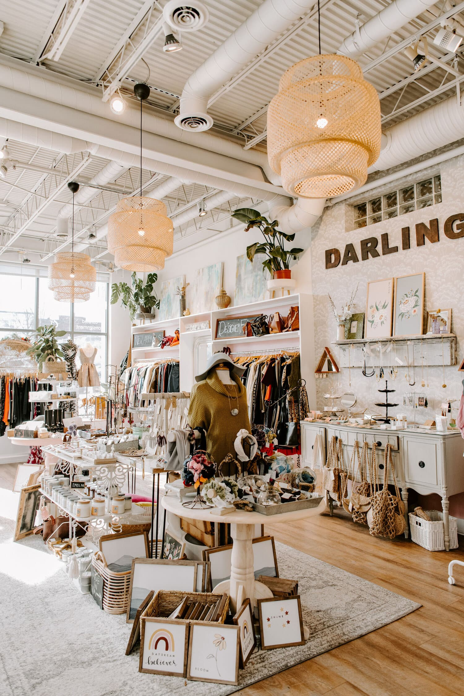 Darling Boutique in store picture