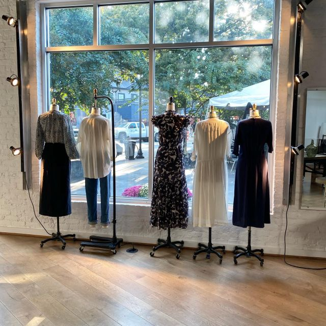 evening hour...I can feel the days getting shorter #winteriscoming #prettyclothes #comeplaydressup #Cieloisecharlottesville