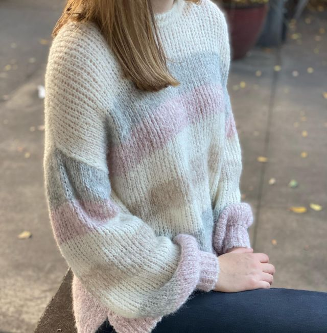 soft colors and even softer touch xirena makes another winner #sweaterweather #pretty #Cieloisecharlottesville