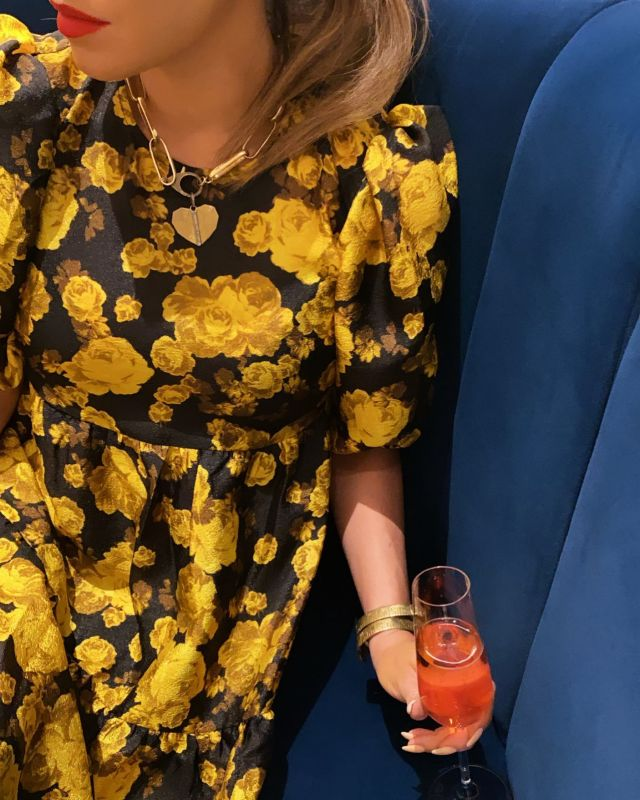 Day dreaming of dressing up + cocktails at quirkhotelcva geezlouiseshop shopeloise #charlottesvilleinsiderclaire #charlottesvilleinsider #quirkhotelcva
